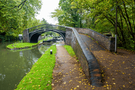north oxford canal lock and bridge